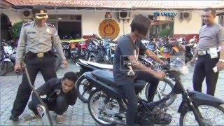 Hukuman Unik dalam Razia Knalpot Bising | CNN Indonesia