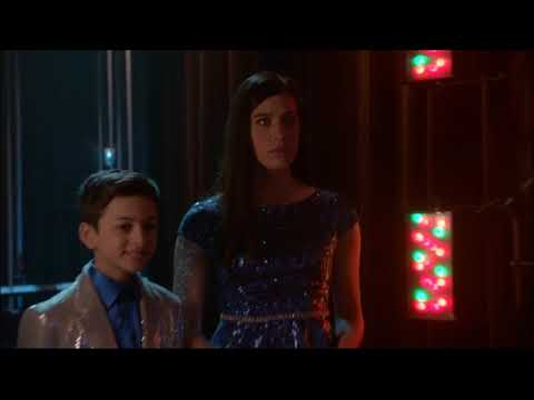 Glee - I Want To Break Free (Full Performance) 6x09