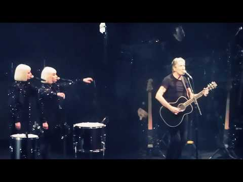 Roger Waters US AND THEM / DARK SIDE OF THE MOON Live! Bell Center Montreal Canada 2017