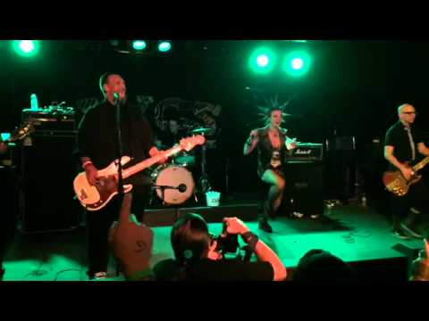 """Erin Micklow performs """"Minor Threat"""" with Punk Rock Karaoke at PRB 2015"""