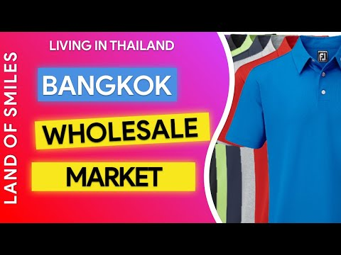 Living in Thailand Bobae Market by River Boat Searching for Shirts