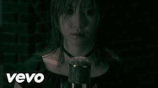 デビューシングル「シャイン」のアンプラグドVer.オリジナルはロックテ...