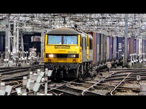 Trains at Crewe Railway Station   07/01/2019