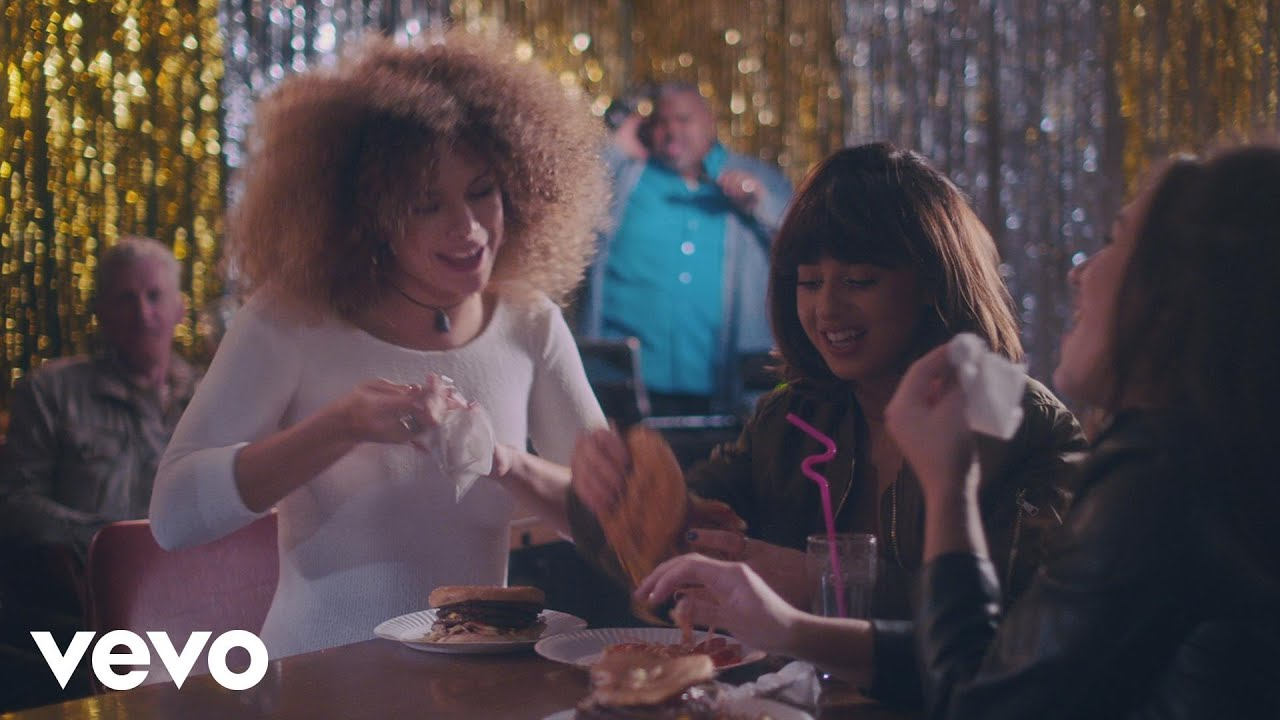 Foxes – Amazing (Official Video)