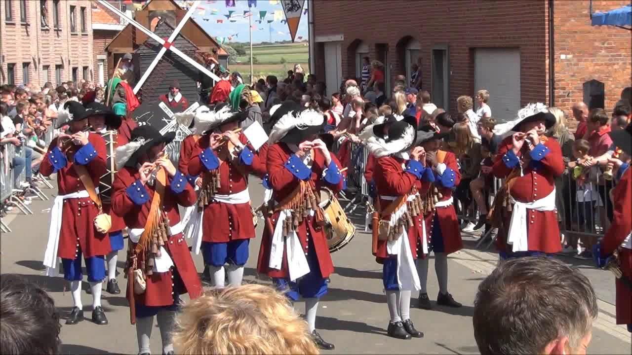 Heksenstoet Beselare 2017.Muziekgroep De Trommelfluit Brugge Heksenstoet Beselare 2017
