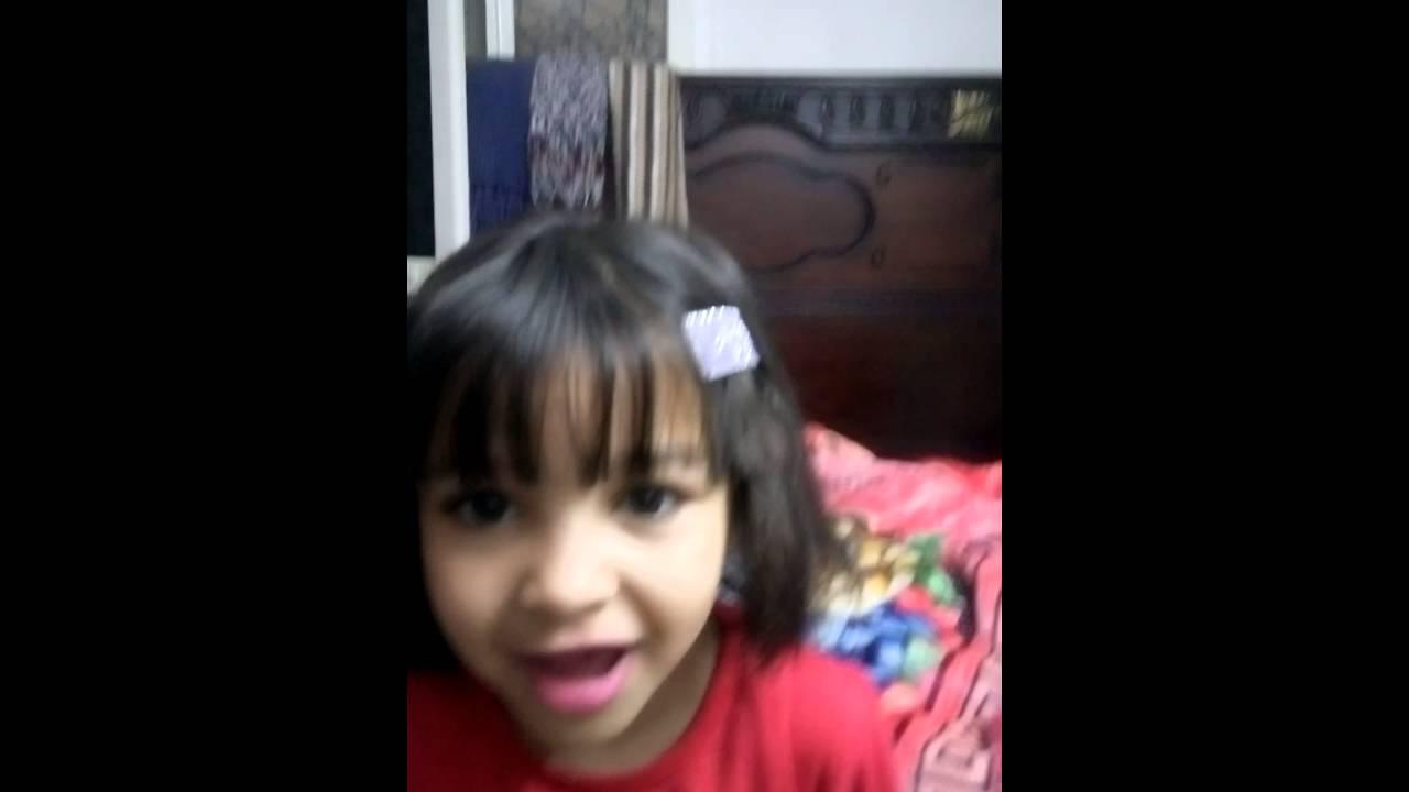 اختي حبيبتي بتغني اغنيه لي مامي ربنا يخليهالنا April 13 2016