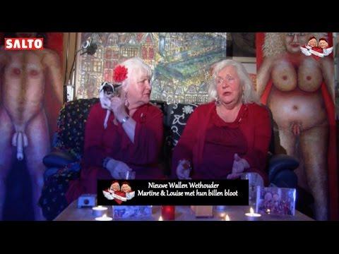 Ouwehoeren Martine en Louise nieuwe Wallen Wethouder met hun billen bloot. afl 2