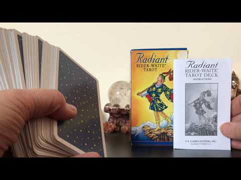 review-of-the-radiant-rider-waite-tarot-deck