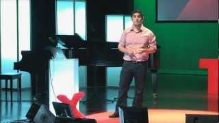 Mejorando la educación en tecnología, Christian Van Der Henst at TEDxUFM
