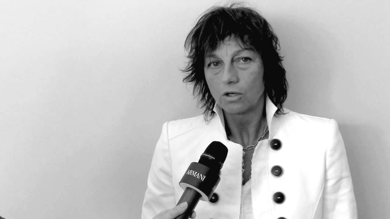 Giorgio Armani - 2014 Spring Summer Men's Collection - Intervista a Gianna Nannini - YouTube