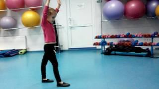 Как учить с ребёнком колесо. Ксюша пробует научиться. 04.10.16  Даяна Ерёмина