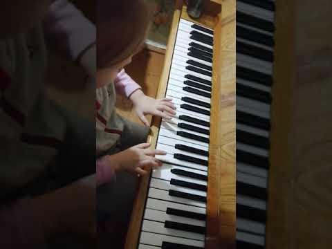 Ой, ты дивчина пианино