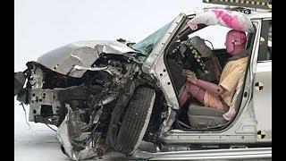 2014 Toyota Camry CRASH TEST IIHS Small Overlap Crash Test