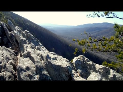 Hiking to Buzzard Rocks on Massanutten Mountain near Front Royal, Virginia