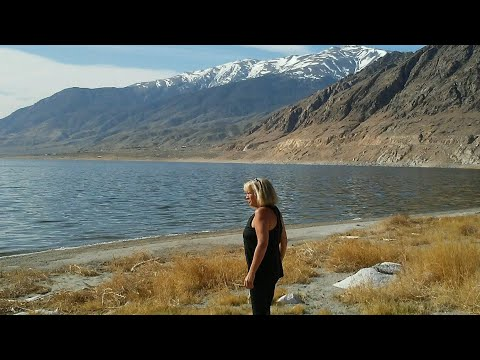 Walker Lake, Nevada and Six Million views - Full time van life