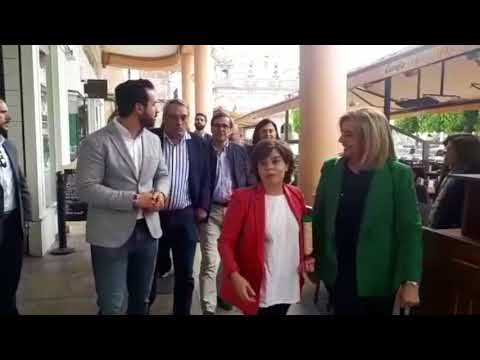 Sáenz de Santamaría hace campaña para liderar el PP en Lugo