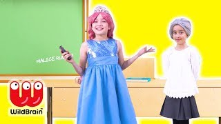 SHOW AND TELL at PRINCESS SCHOOL - Magic & More - Princesses In Real Life | WildBrain Kiddyzuzaa