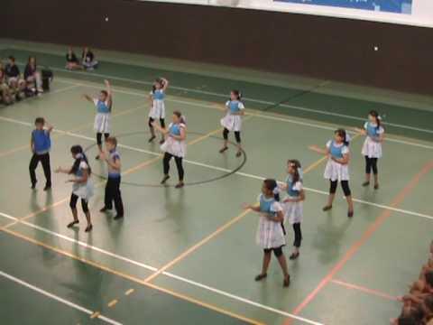 Show dance-UIUAA