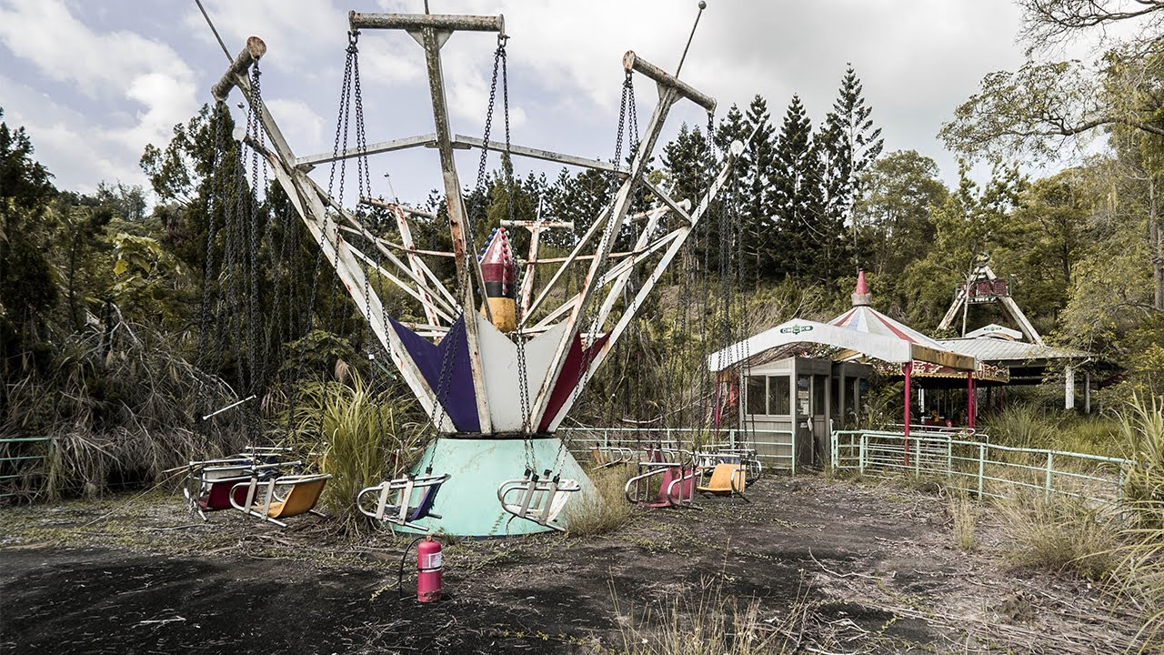Abandoned Theme Park In Taiwan Attacked By Tarantulas