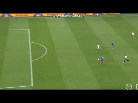 Howedes Great Tackle Against Giroud