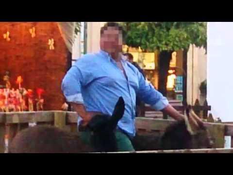 Muere un burro  tras ser montado por  un hombre obeso