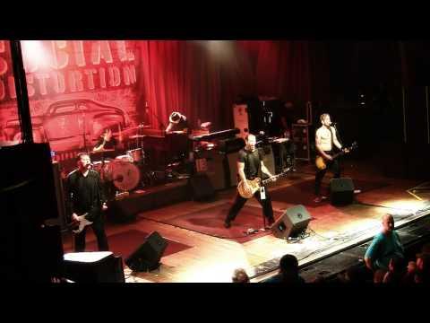 Social Distortion - Story Of My Life - Sokol Auditorium, 9.28.2009 *1080p*