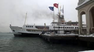 Gambar cover İstanbul Beşiktaş Vapur İskelesi   Deniz Martı Sesi Vapuru Beklerken