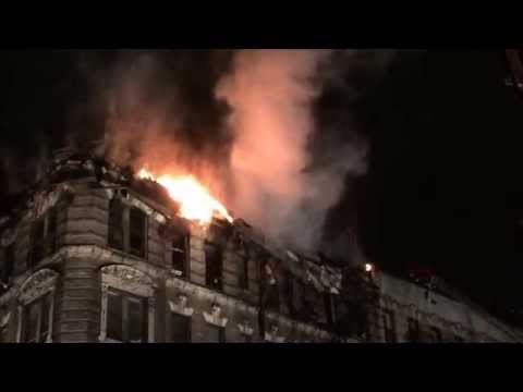 FDNY BATTLING 3 ALARM FIRE ON 1ST AVE. & 66TH ST. ON THE EAST SIDE OF MANHATTAN, NEW YORK.