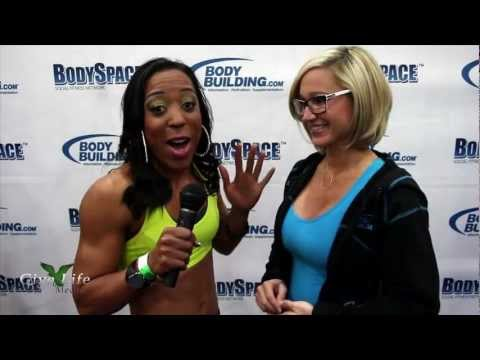 MissFittBritt Interviews Jamie Eason at the 2013 Arnold Classic