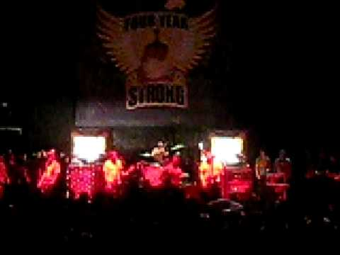 Four Year Strong - Go Long Dad (excuse me) LIVE