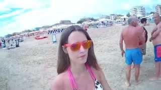 Италия Римини - Пляж(Пляжи Римини разделяются на городской пляж и частные пляжи. Городской (бесплатный) пляж находится рядом..., 2014-09-22T18:25:32.000Z)