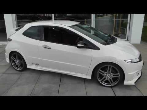 "Honda Civic, Mugen 200 Championship White Type-R, bespoke 19"" Rage Alloys video walkaround"