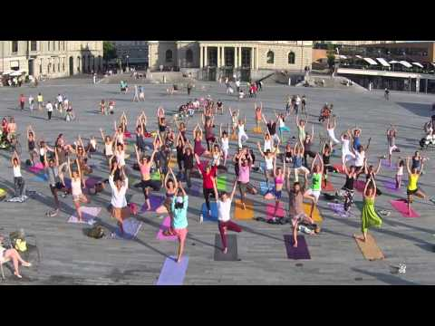 1st Yoga Flashmob Zurich