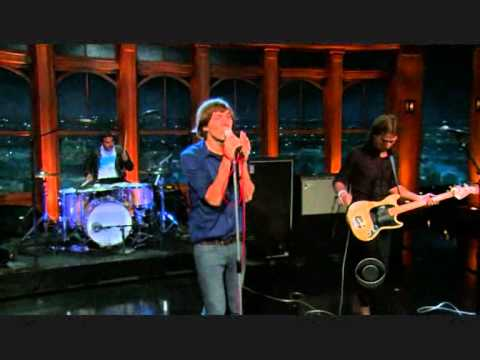 Phoenix - Girlfriend (The Late Late Show with Craig Ferguson)