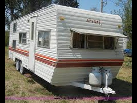 1984 Fleetwood Resort Camper