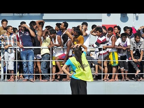 Migrant crisis: five arrested after vessel capsizes off Liby