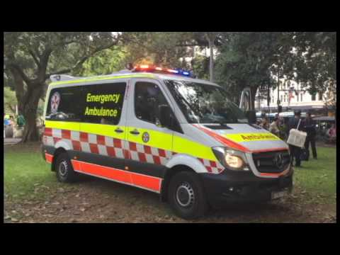 MVA PERSONS TRAPPED, SYDNEY NSW - 11/04/17