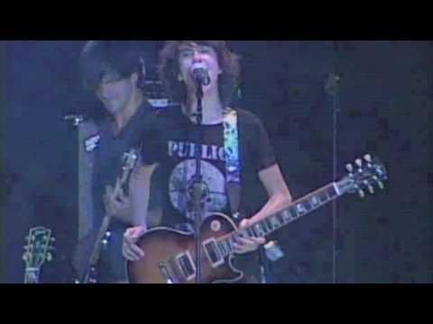 Nat & Alex Wolff - A Hard Day's Night (Live)