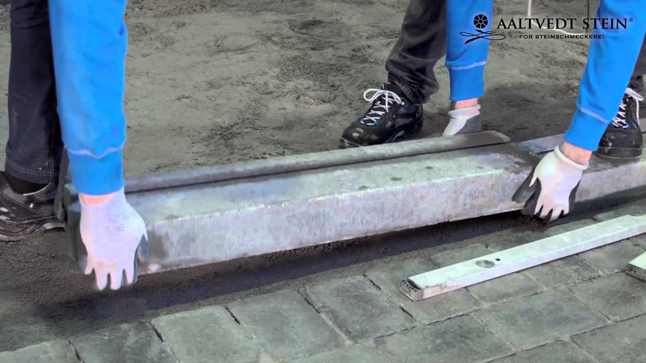 Grunnarbeid liten støttemur
