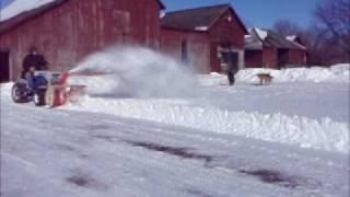 Youtube - Blowing snow IH Cub Cadet 782 Demonstration QA42B