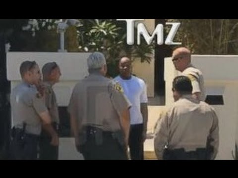 Dr. Dre Handcuffed and Searched by Cops