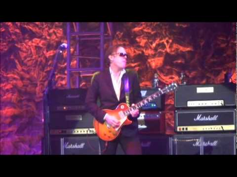 "Joe Bonamassa 11/19/2011 ""You Better Watch Yourself"""