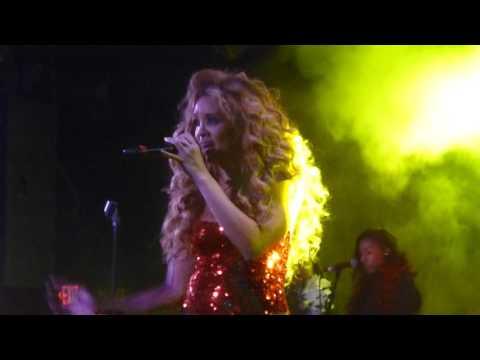 Lion Babe - Treat Me LIke Fire (The Roxy, Los Angeles CA 11/18/15)