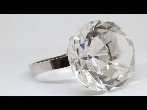 Woman Bought $13 Diamond Ring At Flea Market That Sold For Over $800K At Auction