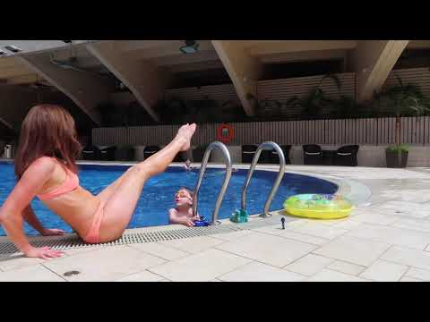 Poolside Workout   Use That Ladder in a New Way!