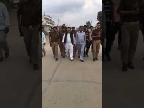 Mainpuri sadar MLA Abuse lal krishna Aandvani विधायक गाली देते हुए