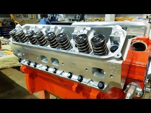 440 Chrysler Mopar Engine Building Part 8 - Installing Trick Flow Cylinder Heads