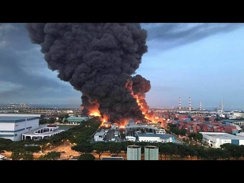 Singapore News - Fire breaks out at waste management plant at Tuas