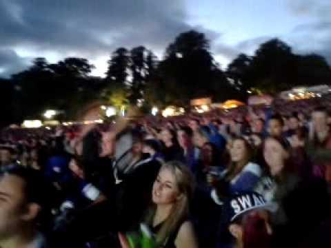 Eminem Live - Bussiness - Ireland - 2013