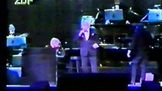 Frank Sinatra - Tour of Germany's News Coverage 1993